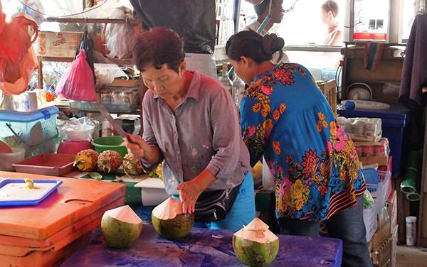 布吉卡隆海灘市場Karon Bazaar