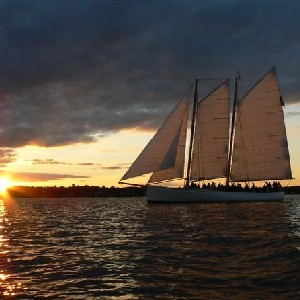 紐波特灣大帆船夜遊船票(電子票)